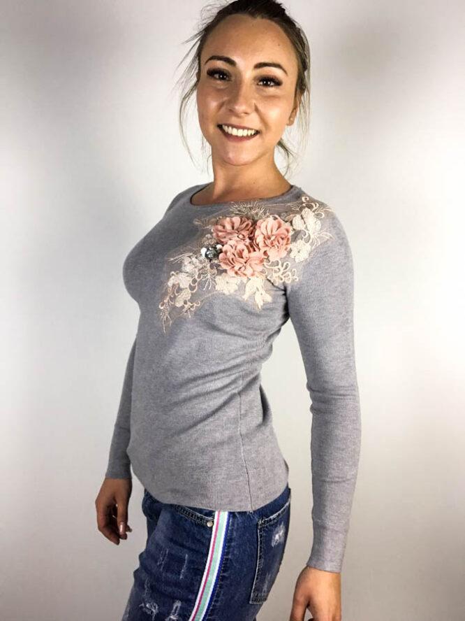 pulover cu flori gri damă,