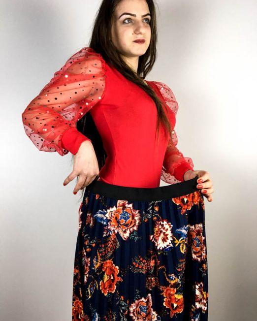 bluză body roșie,