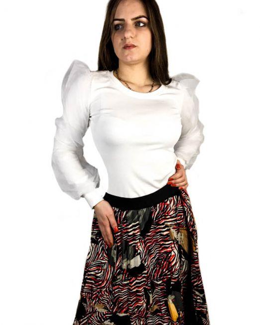 bluză albă,