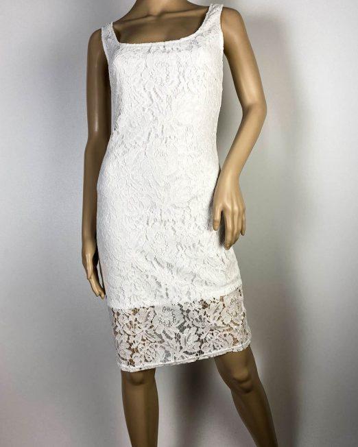 rochie albă damă dantelă,