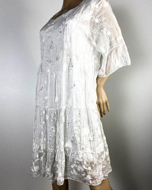 rochie albă damă vară din voal,