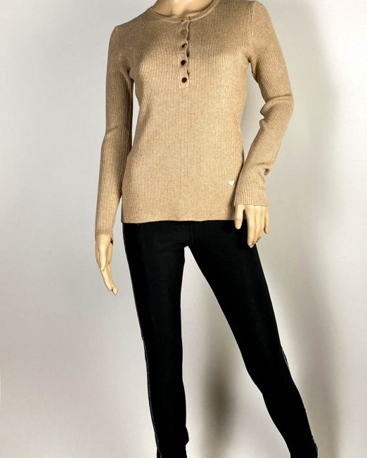 pulover beige damă iarnă cu capse,