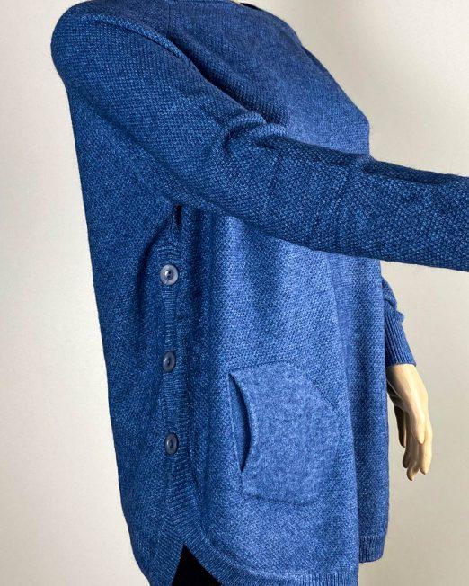 pulover albastru damă iarnă cu nasturi,