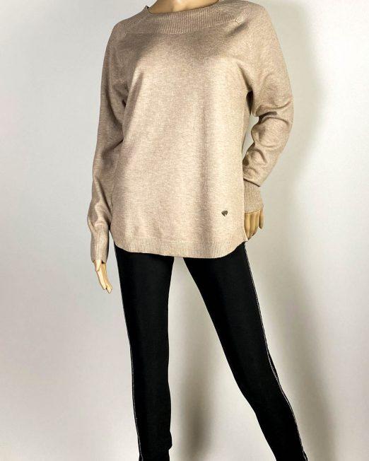 pulover beige damă iarnă din tricot,