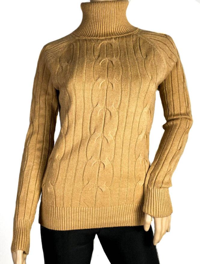 pulover maro pe gât damă,