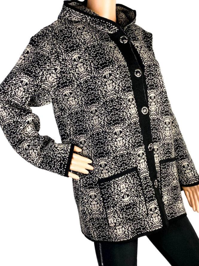 pulover damă cu nasturi beige,