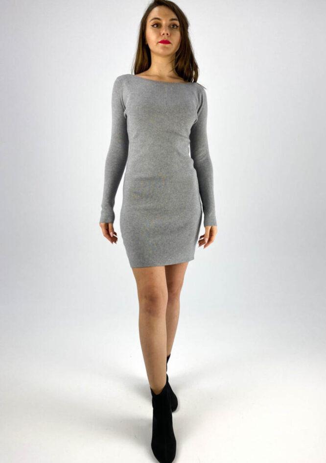 rochia gri tricotată cu dantelă,