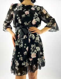 rochie neagră scurtă damă cu imprimeu floral,