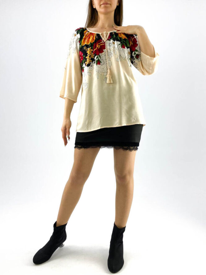 bluză damă crem subțire și lejeră cu imprimeu floral,
