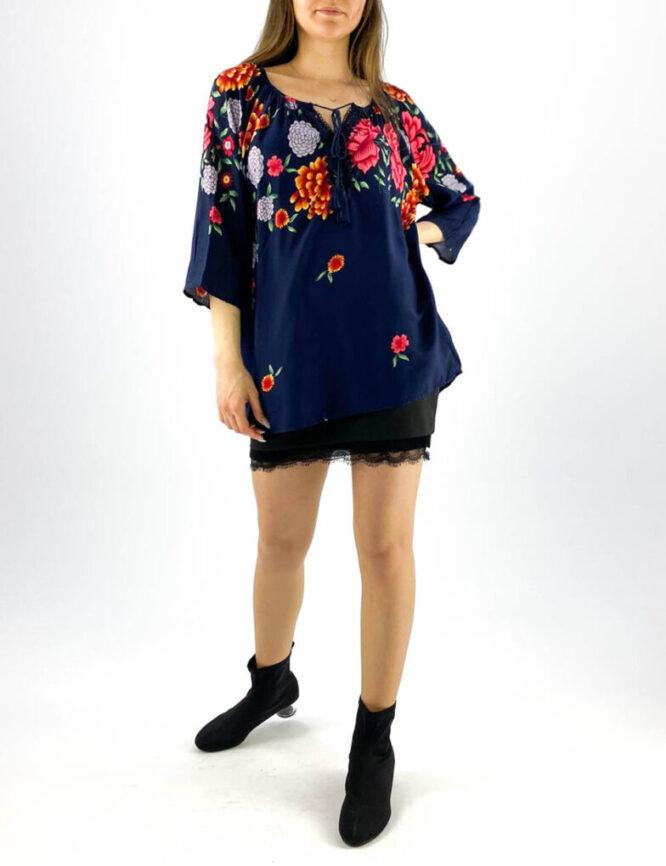 bluză damă bleumarin tip ie cu imprimeu floral și dantelă,
