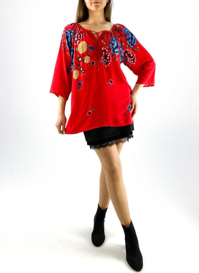 bluză damă roșie tip ie cu imprimeu floral și dantelă,