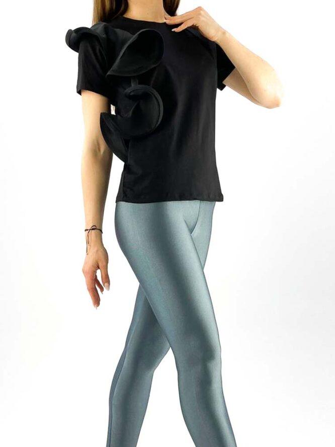tricou damă negru din bumbac cu volănaș,