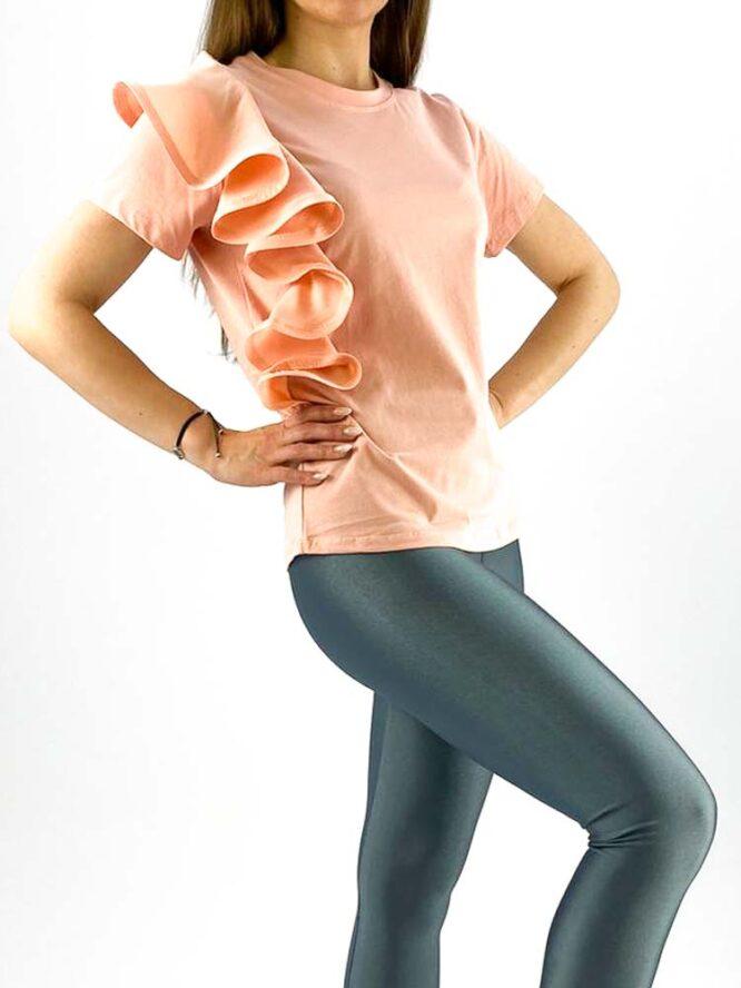 tricou damă roz din bumbac cu volănaș,