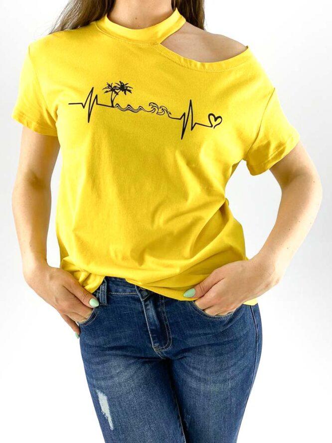 tricou damă galben inscripționat cu umăr gol,