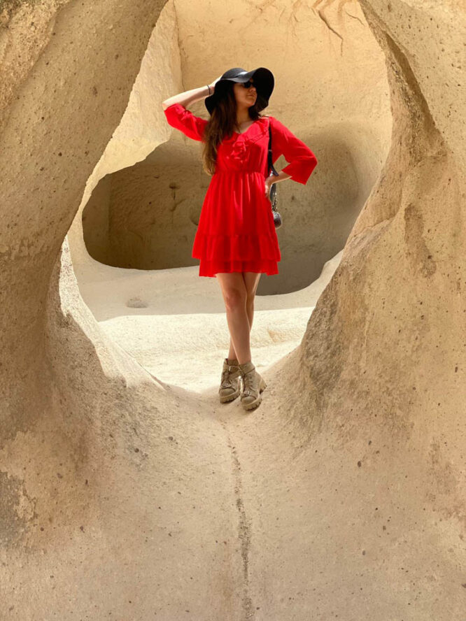 rochia damă roșie din voal mini cu volane,