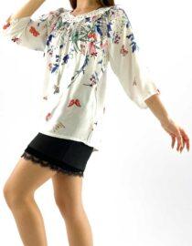 bluza damă albă largă tip ie cu dantelă și flori