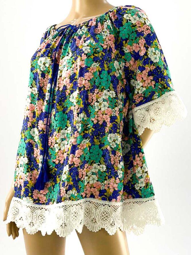bluza damă mov largă cu flori și dantelă,